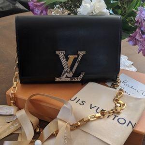 Authentic Louis Vuitton Louise Python GM Bog